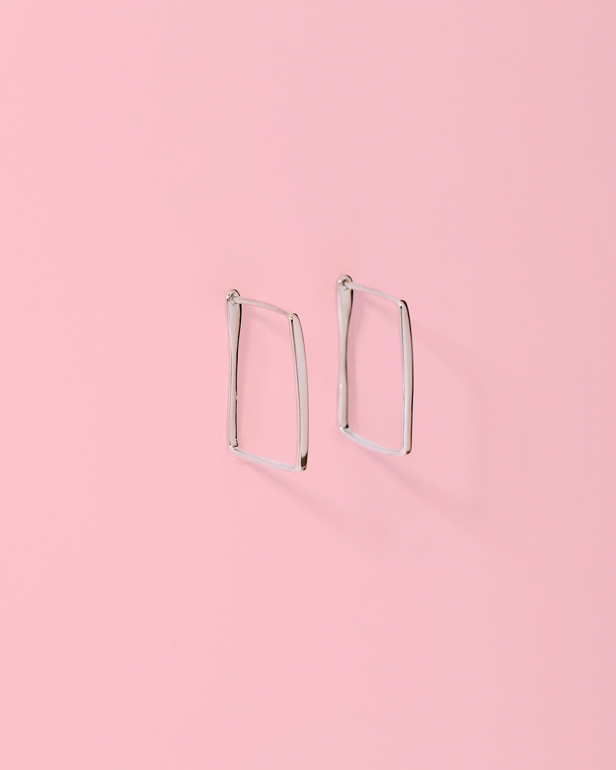 Make your point <br>silver earrings